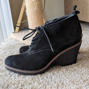 White Mountain Suede Black Wedge Booties